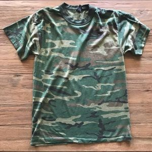 Urban Outfitters Camouflage Tee Large